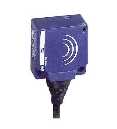 XS7E1A1PBL2 Indukční čidlo XS7 26x26x13, PBT, Sn10mm, 12..24VDC, kabel 2m, Schneider Electric