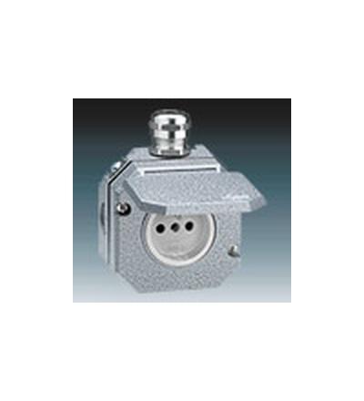 ABB Zásuvka jednonásobná IP 55, s ochranným kolíkem, s víčkem, s kovovou kabelovou průchodkou šedá 5518-2760