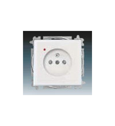 ABB Zásuvka jednonásobná s ochranným kolíkem, s clonkami, s ochranou před přepětím studio bílá 5599B-A0235784