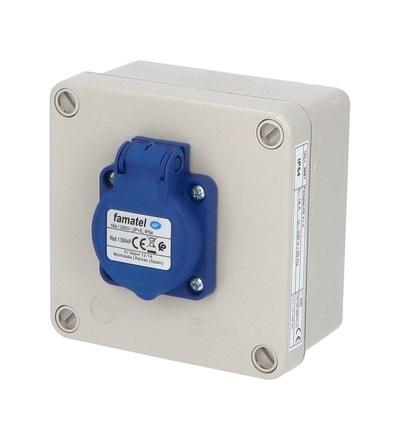 FAMATEL Krabice 3061 IP54 1x230V s ochr. kolíkem, 112x112x64mm, hladké boky 3061